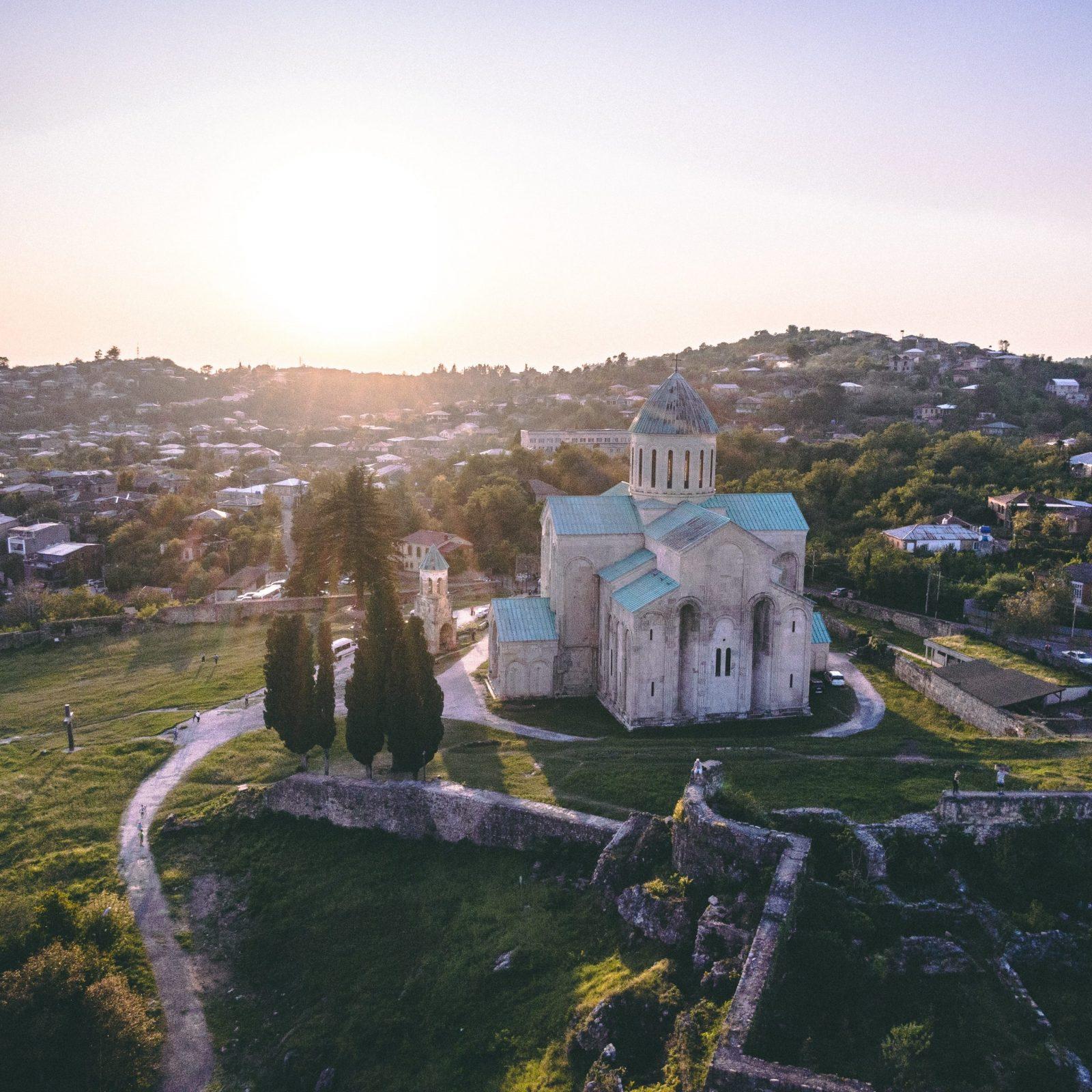 День 5: Тбилиси - Горисцихе - Уплисцихе - Кутаиси